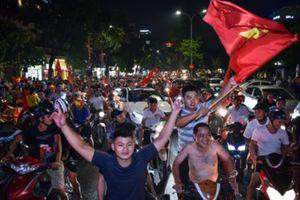 Vượt quá giới hạn nồng độ cồn vẫn đi 'bão' bất chấp, 55 người bị xử lý trong đêm tại Sài Gòn