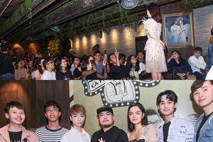 Dàn sao trẻ 'đổ bộ' trong mini show ca nhạc của Phạm Quỳnh Anh