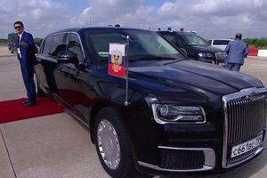 Tổng thống Nga Putin 'khoe' siêu limousine Aurus tới các chính khách quốc tế