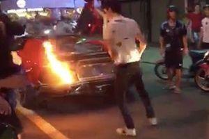 Đi bão ăn mừng, siêu xe Lamborghini bốc cháy