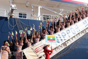Hình ảnh đẹp tại lễ đón Tàu Thanh niên Đông Nam Á và Nhật Bản