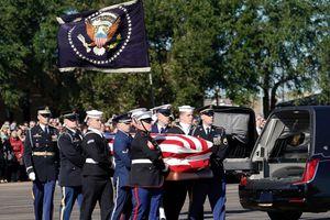 21 phát đại bác tiễn đưa cựu tổng thống Bush 'cha' tại Washington