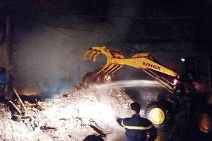 Dập tắt đám cháy ở TP Thanh Hóa trong đêm