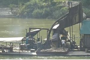 Tuyên Quang: Cần xử lý nghiêm tình trạng khai thác cát sỏi bừa bãi trên sông Lô!