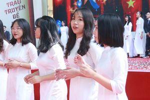 Đề xuất tiếng Anh làm ngôn ngữ thứ 2 của Việt Nam: 'Trước sau gì cũng phải thực hiện'