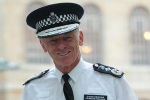 Bernard Hogan-Howe: Cảnh sát Hiệp sĩ