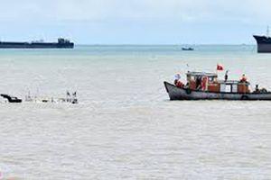 Chìm tàu chở hàng trên sông, thiệt hại hàng trăm triệu đồng