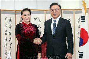Chủ tịch Quốc hội tiếp Tổng Lãnh sự danh dự Việt Nam tại Busan– Gyeongnam, Hàn Quốc