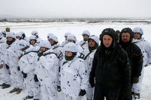Căng thẳng leo thang: Ukraine triển khai quân lực đến biên giới, Nga tập trận tên lửa sấm sét