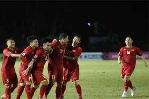 Đội tuyển Việt Nam chiến thắng: Sự kết hợp của con tim và lý trí