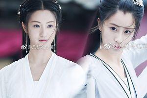 Sau tấm poster thảm họa, 'Tân Thần điêu đại hiệp 2019' tung ảnh 'Tiểu Long Nữ' Mao Hiểu Huệ xinh đẹp nhưng thiếu tiên khí?