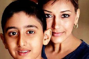 Sao Bollywood kiên cường chiến đấu với bệnh ung thư