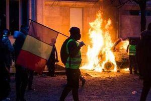Bạo động áo vàng: Kinh tế Pháp 'bốc hơi' hàng tỷ euro