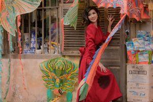 Ca sĩ Nguyễn hồng nhung hóa quý cô cổ điển trong bộ sưu tập Đông Domino 68