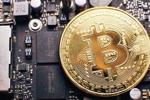 Ổn định chưa lâu, Bitcoin lại xuyên thủng đáy mới