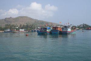 Lặn bắt ốc xà cừ, một ngư dân Lý Sơn tử nạn