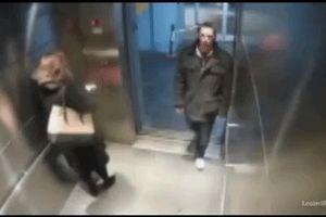 Vào thang máy cùng gã đàn ông lạ, sau đó người phụ nữ may mắn thoát nạn nhờ 1 thứ