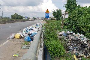 Rác tràn QL1, ô nhiễm trầm trọng môi trường ở Quảng Ngãi