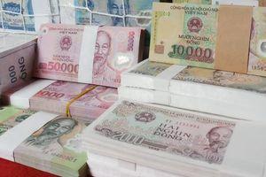 Trước Tết 2 tháng, dịch vụ đổi tiền mới đã nở rộ chợ mạng