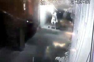 Nhà giám đốc ở Thanh Hóa bị ném 'bom xăng' lúc rạng sáng