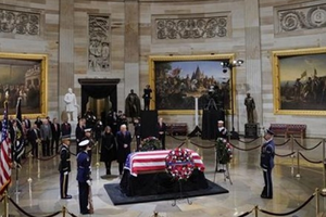Đại sứ Hà Kim Ngọc dự lễ viếng Tổng thống Mỹ George H.W.Bush