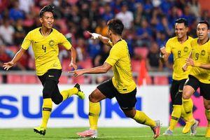Hòa nghẹt thở trước Thái Lan, Malaysia vào chung kết AFF Cup!