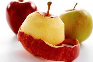Nhiều người cứ vứt vỏ táo nhưng không ngờ nó lại có tác dụng thần kỳ thế này