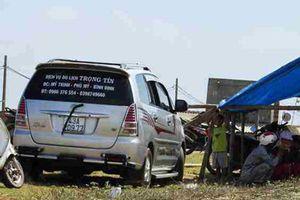 Chủ tịch tỉnh đối thoại, người dân thả xe dự án sau 24 ngày 'giam giữ'