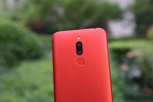 Smartphone camera kép, màn hình FullView, giá siêu rẻ