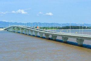 Cầu vượt biển dài nhất Việt Nam bị rải đinh