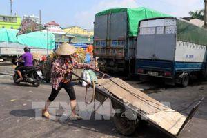 Xử lý nghiêm đối tượng đe dọa phóng viên điều tra vụ 'bảo kê' ở chợ Long Biên