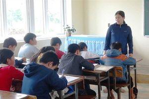 Giáo viên ứng xử vụng về trước 'scandal'