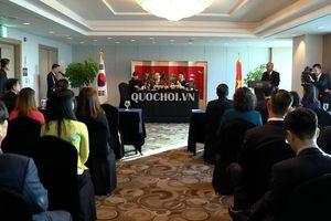 Chủ tịch Quốc hội gặp đại diện các gia đình đa văn hóa việt – Hàn