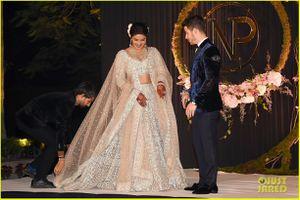 Hoa hậu Thế giới 2000 và chồng trẻ tổ chức lễ cưới xa hoa ở New Delhi