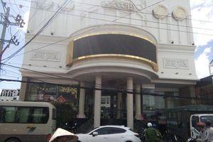 Công an đột nhập quán karaoke ở TP. Nha Trang, phát hiện 200 thanh niên nghi sử dụng ma túy