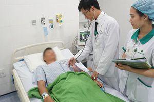 Nam thanh niên bị ngộ độc thuốc gây tê do mổ bóc u bã đậu