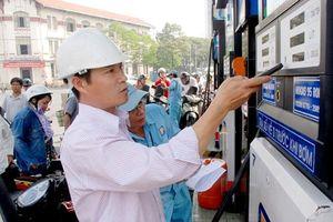 Giá xăng tiếp tục giảm hơn 1.500 đồng/lít