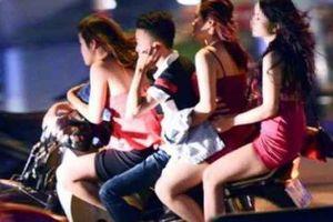 Thanh Hóa: Tạm giam 4 nghi can chuyên chăn dắt phụ nữ, ép làm tiếp viên quán Karaoke