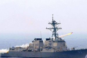 Khu trục hạm Mỹ áp sát căn cứ Nga ở Viễn Đông