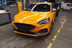 Ford Focus ST 2019 lộ kiểu dáng thể thao và hầm hố hơn