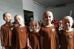 5 chú tiểu 'ẵm' 100 triệu Thách thức danh hài: Hồn nhiên những đứa trẻ bị bỏ rơi