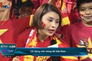 Nữ CĐV xinh đẹp dự đoán như thần trận Việt Nam 2-1 Philippines