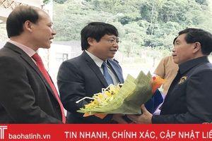 Đoàn đại biểu tỉnh Khăm Muộn dự hội nghị cấp cao thường niên tại Hà Tĩnh