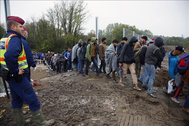 EU lùi kế hoạch triển khai 10.000 binh sĩ tại các đường biên giới