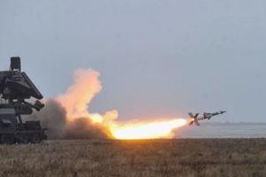 Ukraine bắn thử tên lửa đánh trúng mục tiêu cách 280km ở Biển Đen