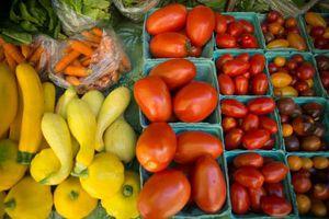 Lo biểu tình, Pháp quyết định hoãn tăng giá tối thiểu nông sản