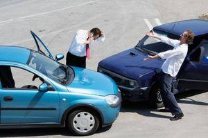 Ô tô mới mua cần phải có những loại bảo hiểm nào?
