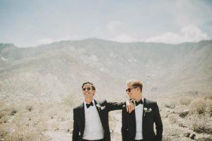 Hôn lễ đậm màu Old Hollywood chất ngất dưới tán Cọ sa mạc tại vùng đất mộng mơ của cặp đôi đồng tính nam.
