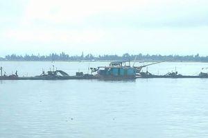 Hà Tĩnh: Ai chống lưng cho HTX Hải Hà 'trục lợi' khoáng sản trái phép tại cảng Cửa Sót?