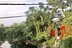 Bình Giang (Hải Dương): Cơ sở bao bì ngang nhiên xả thải ra môi trường